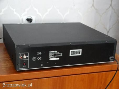 Odtwarzacz Yamaha CDC-585 ładny i sprawny.  WYSYŁKA.