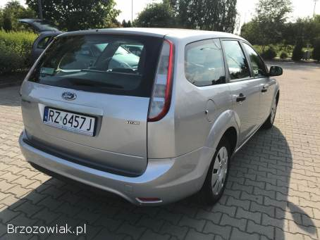 Ford Focus Amber 2009